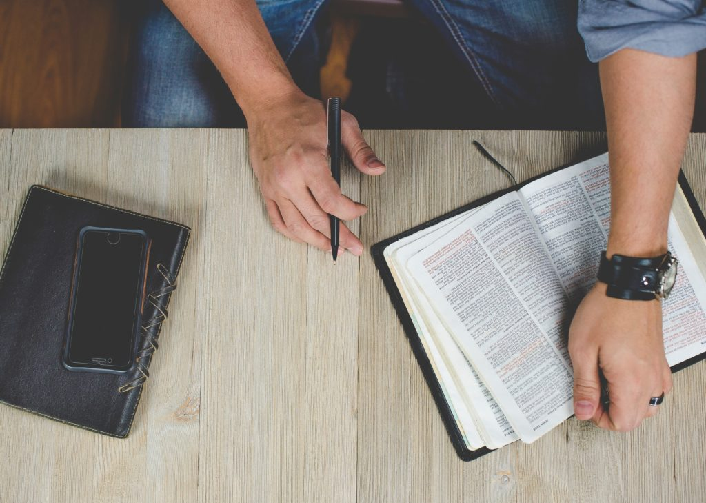 10 Critical Steps for Preparing Powerful Sermons